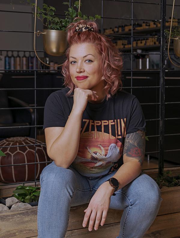 KATI | hiusmuotoilija ja yrittäjä